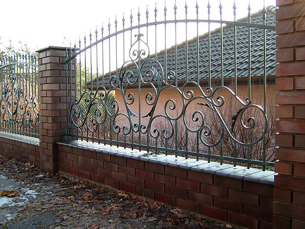 Заборы и ворота Производство тротуарной плитки. Кованные изделия.