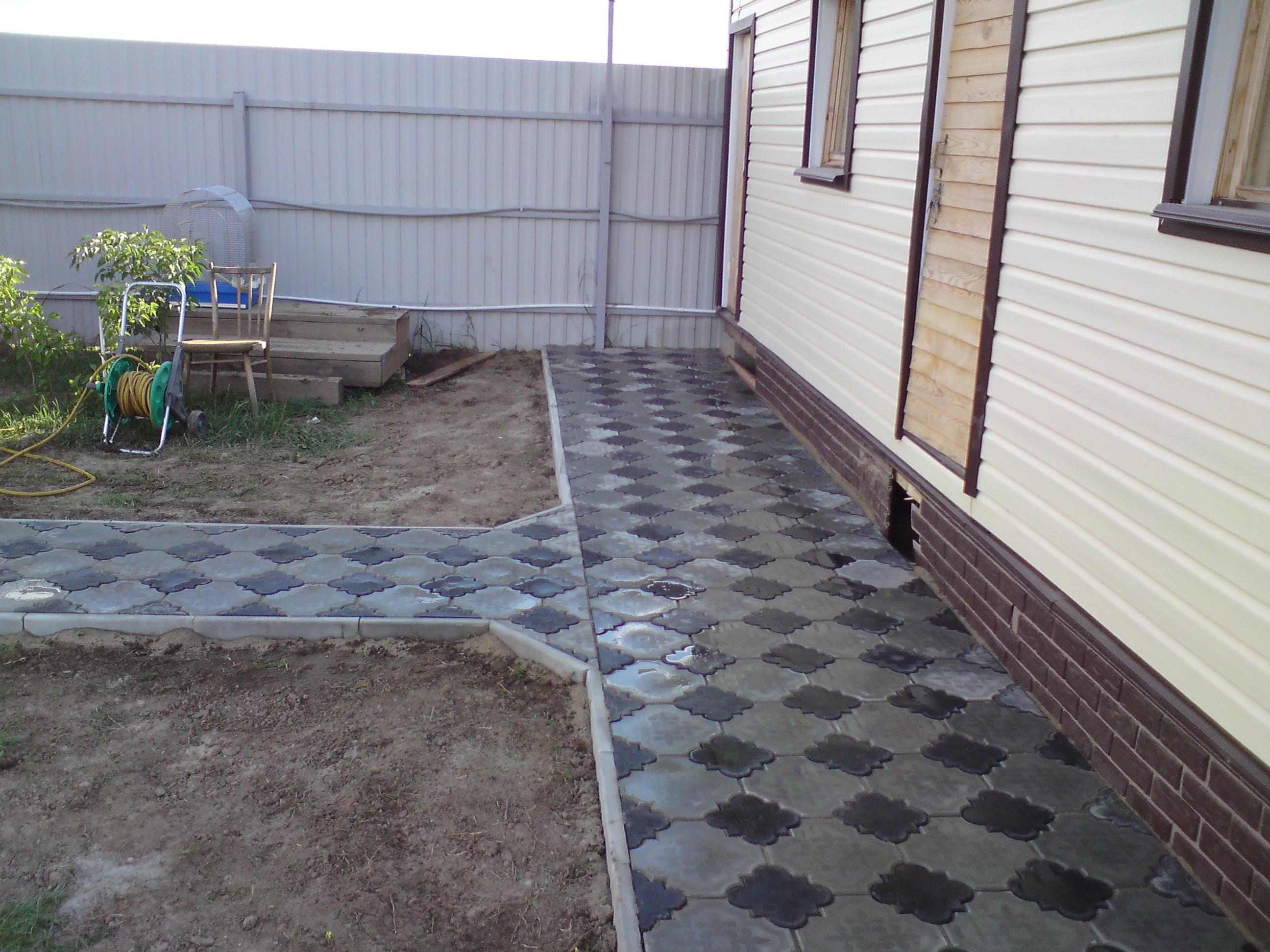 Тротуарная плитка укладка своими руками на даче под навесом